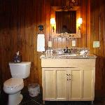 The Finger Lakes Suite Bathroom
