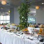  Dining room, breakfast buffet