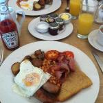 Breakfast at the Ship