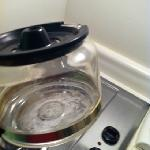  coffee pot was dirty/notice the dirty back splash