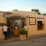 Restaurante La Calzada and staffs