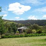 Yarra Glen B&B garden views of the Valley