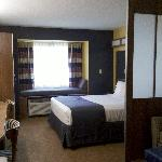 Photo de Microtel Inn & Suites by Wyndham Chili/Rochester Airport