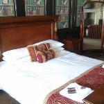 Old Crown Coaching Inn resmi