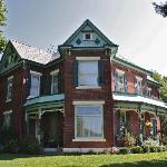 The Nauvoo Grand Bed & Breakfast from the West