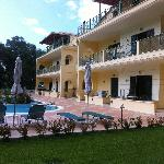 Terre Verde apartments - six steps from the pool