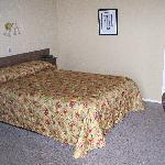 One Queen bed unit
