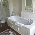 Gorgeous bath tub with amazing view, from the Flora room