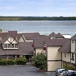 Days Inn & Suites Saint Ignace Lakefront