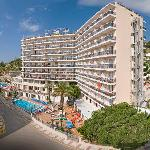 Photo of Hotel Serhs Oasis Park Calella