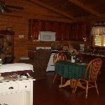 Foto Lazee Daze Log Cabin Resort