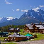  The spectacular Lodge of the Ten Peaks