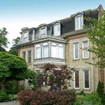 213 Carlton Toronto Townhouse