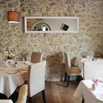 restaurant la toque d'or. Tel : 04 93 39 68 08