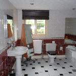 bathroom room 6