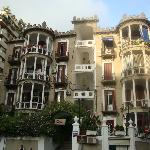 The house that the guesthouse is situated in, with the restaurant Frieda's below.