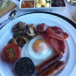 delicious Irish breakfast at Carrigbyrnene