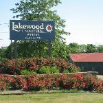 Lakewood Vineyard, Roses