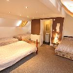 Ensuite loft room- sleeps upto 10