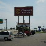 Clarion Inn & Suites Wichita resmi