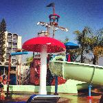 صورة فوتوغرافية لـ ‪Howard Johnson Anaheim Hotel and Water Playground‬