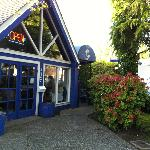 Taverna Gorgona occupies a delightful spot in the heart of Ladner