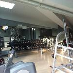 A very nice gym... Hammer strength fully bodied !