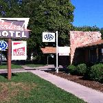 Central Motel - AAA