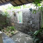  The outdoor bathroom of the guesthouse room
