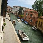  vista sul canale dalla camera al secondo piano