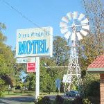 Welcome to the Windmill Motel
