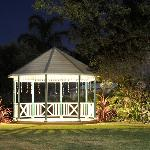  Gazebo - landscaped gardens