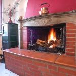 caminetto / one fireplace