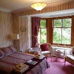 Clunie Lodge Guest House