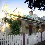 Heritage listed accommodation  opposite City Park Launceston