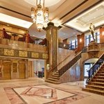 Hotel Phillips Kansas City, Curio Collection by Hilton
