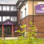 ‪Premier Inn Livingston - M8/J3‬