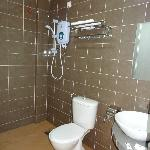 nice big bathroom with hot water