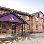 ‪Premier Inn Llanelli Central West‬