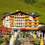 Photo of Hotel Salzburger Hof Superior