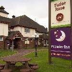 Premier Inn Wirral - Two Millsの写真