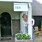 Your host at the entrance of Villa Nieuwland