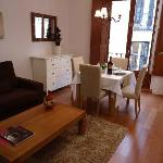 Photo de Apartamentos Madrid Huertas