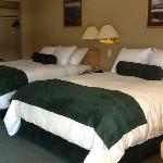  Tenderfoot large deluxe rooms with A/C, coffee maker and fridge