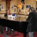  Piano Bar!