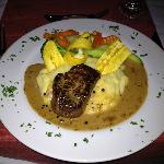  Beef tenderloin with three peppercorn sauce