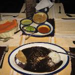  Pollo Con Mole Negro