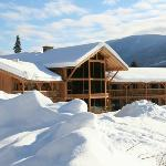  Bearclaw Lodge in Heliski season