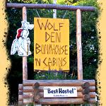 Wolf Den Bunkhouse &#39;n Cabins