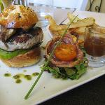 "Tuna ""burger"" with foie gras and duck fries"